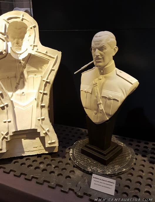 Buste du colonel Olrik centaurclub