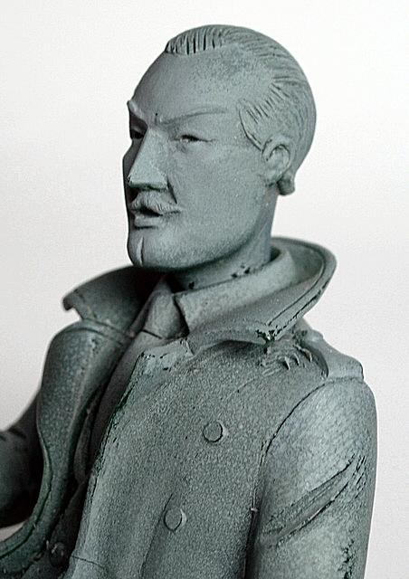 http://www.centaurclub.com/forum/Fred/figurines/aroutcheff-DSnoir-blake.jpg